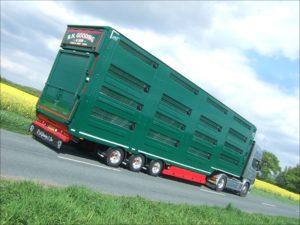 Lifting Deck Livestock trailer