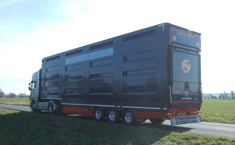 Plowman ATLAS Lifting Deck Livestock Trailer